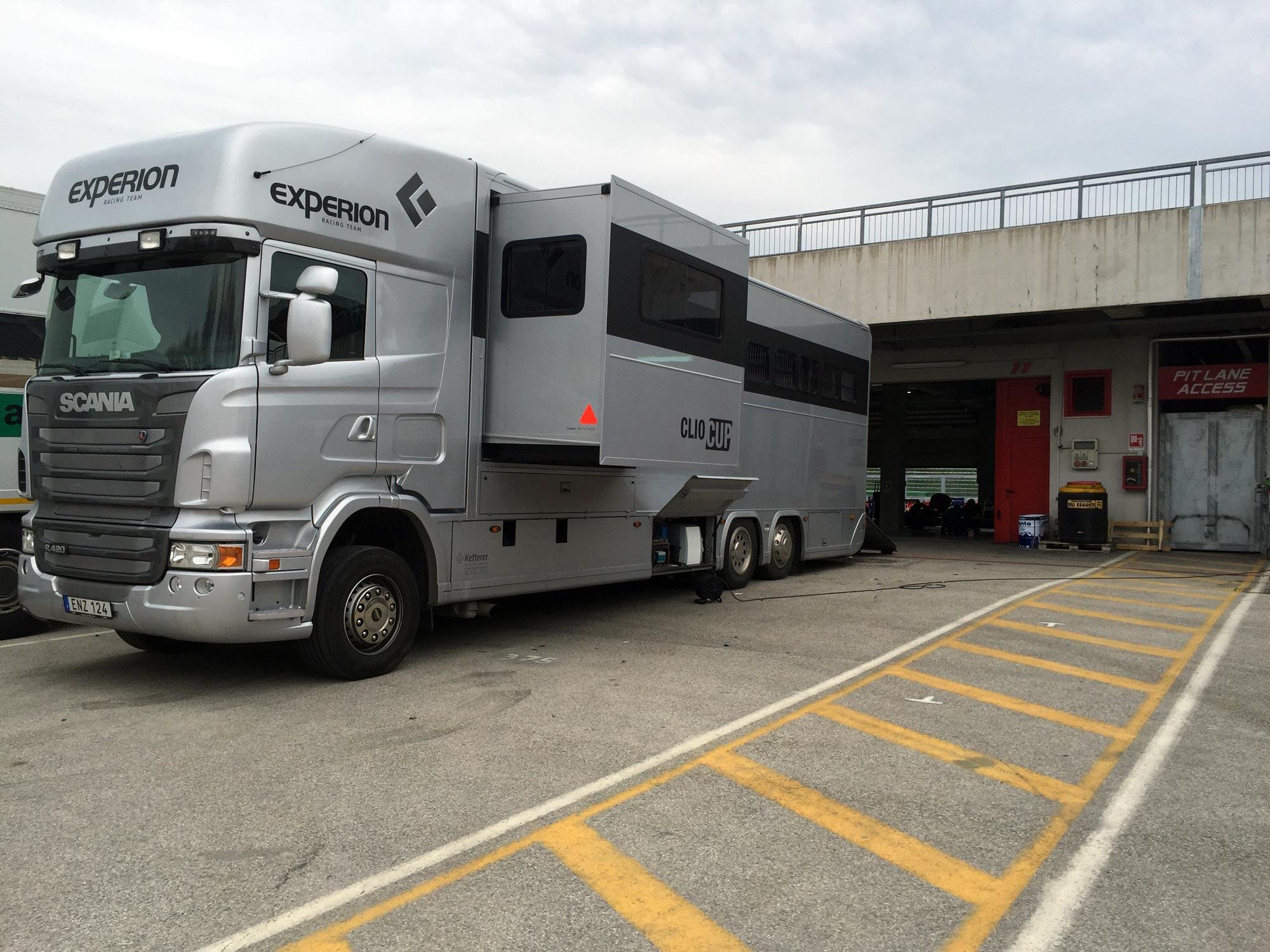 Experion Racing Team racingtralier på plats i Imola Italien.