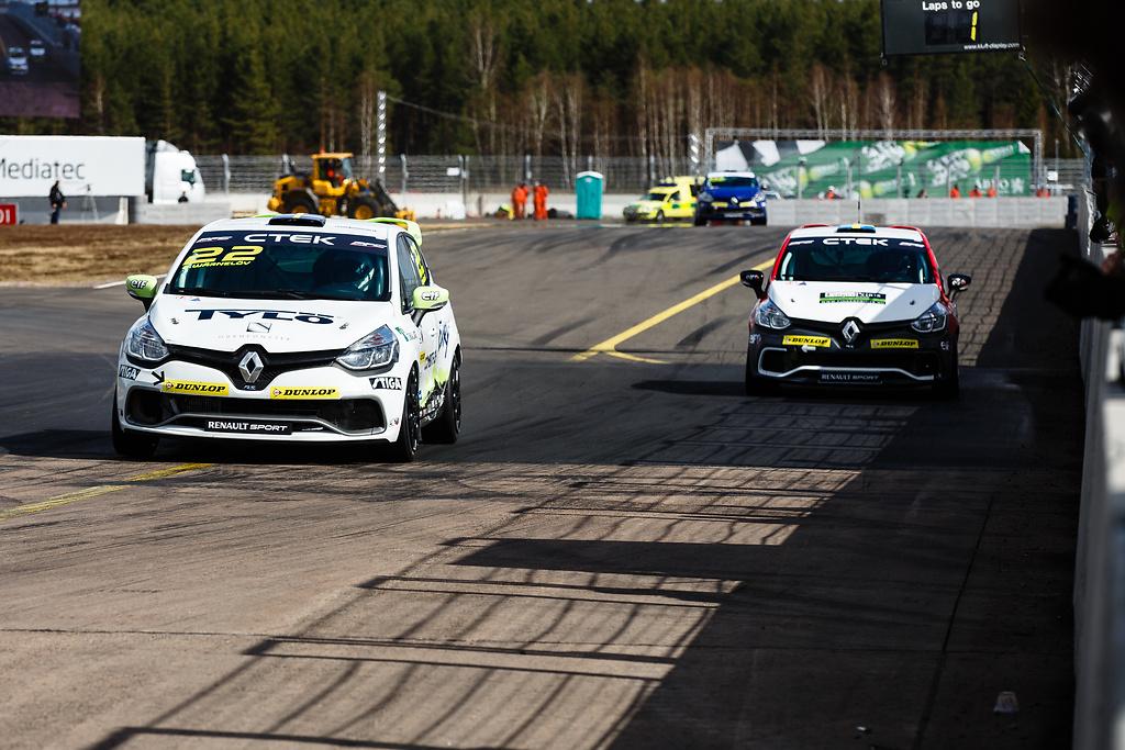 Albin utmanas om sin andraplacering i Clio Cup av Markus