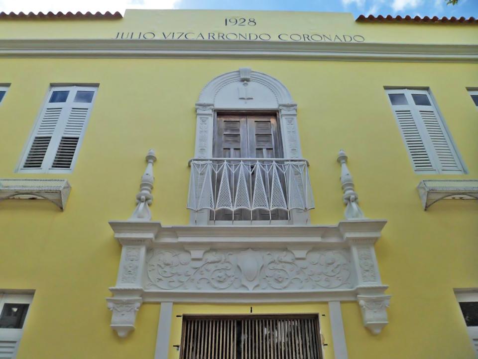 Escuela Julio Vizcarrondo Coronado, en el Pueblo de Carolina, Carolina, Puerto Rico.