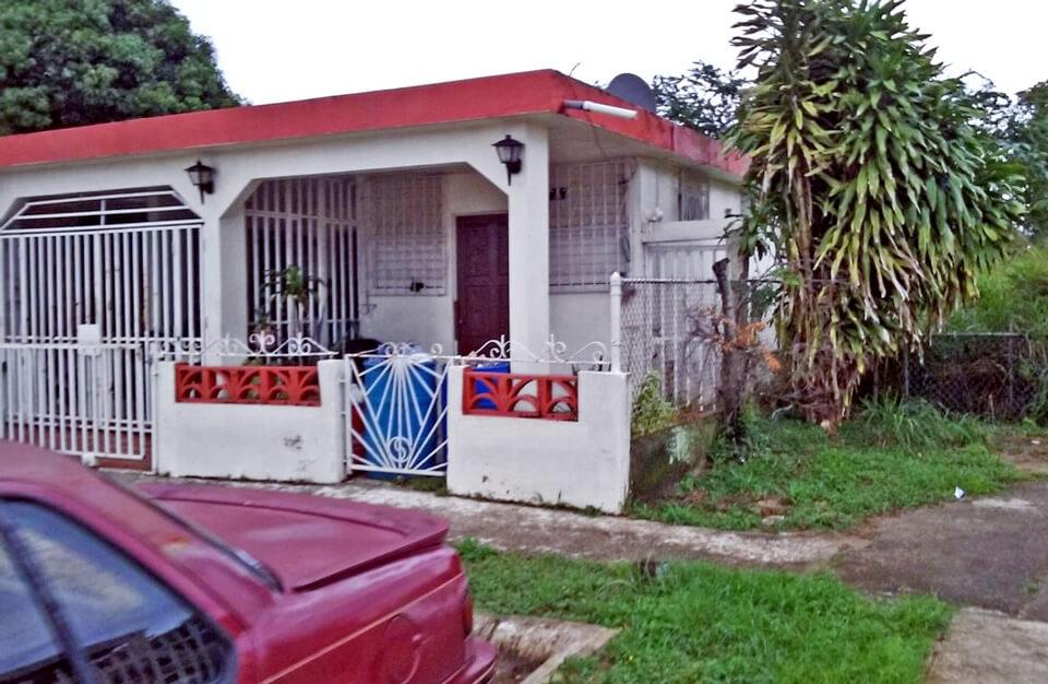 """Casa de Don Toño, cerca de la """"Ratonera"""", Urbanización Jardines de Country Club, Carolina, Puerto Rico."""