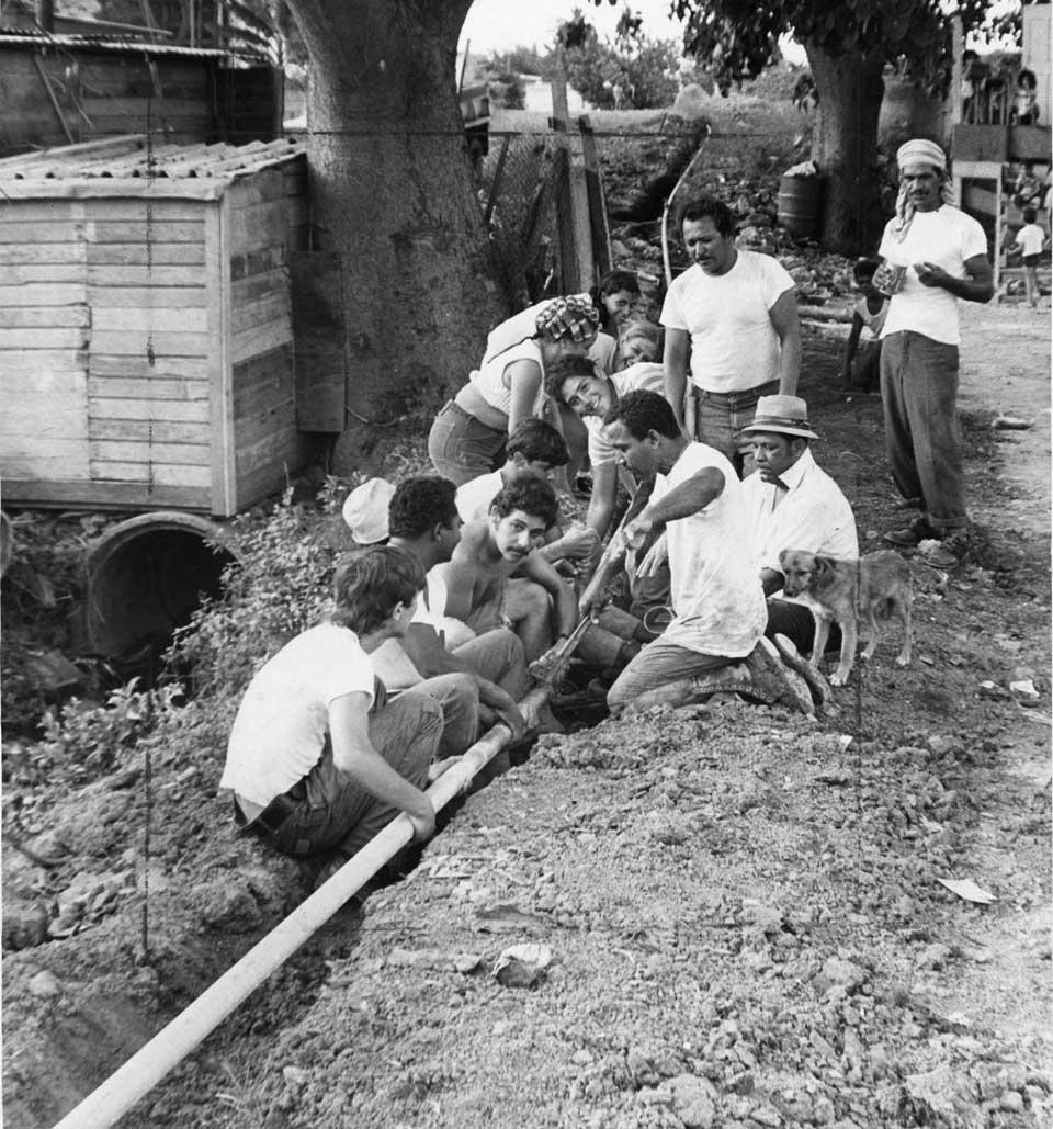 Vecinos de Villa Caridad en Carolina, PR.
