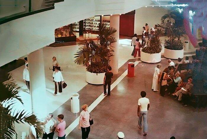 Foto vieja (1980's) del Centro Comercial Plaza Carolina, Carolina, Puerto Rico.