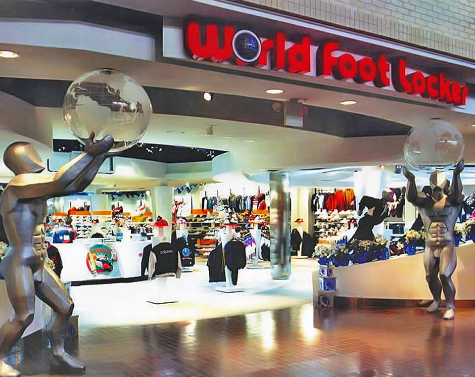 World Foot Locker, en el Centro Comercial Plaza Carolina, Carolina, Puerto Rico.