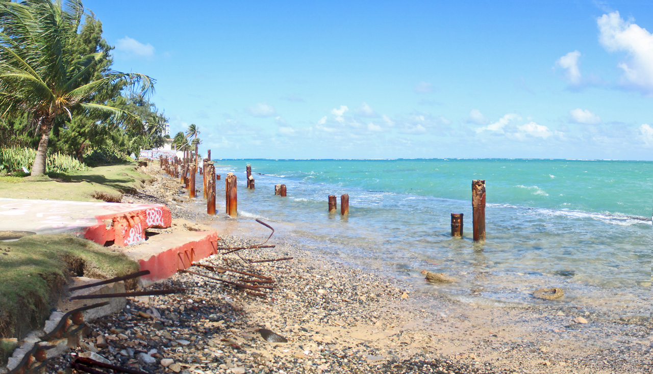 Mirando a la playa desde Punta las Marías, San Juan, Puerto Rico