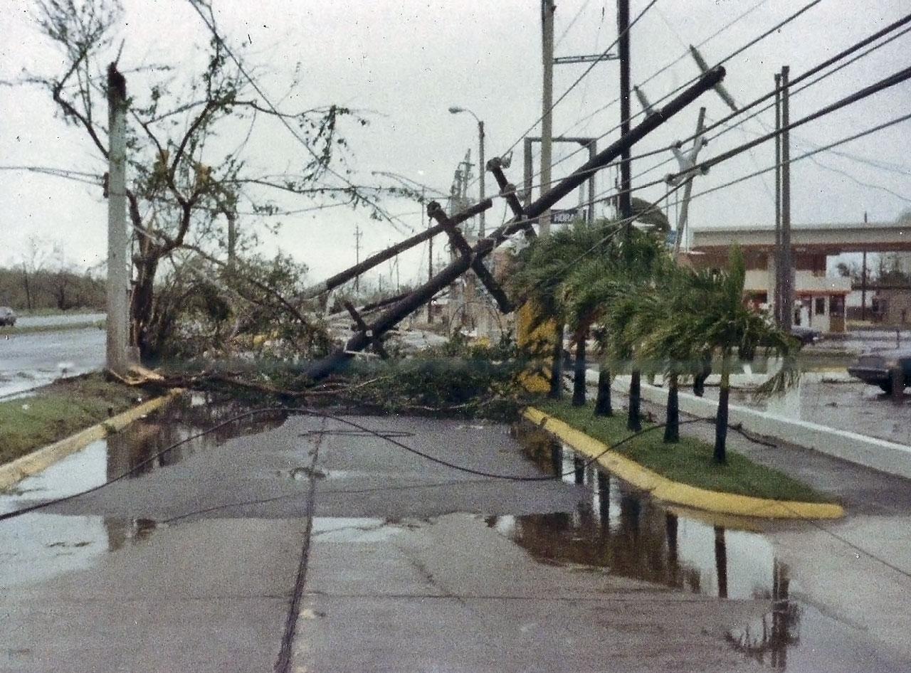 Urbanización Los Ángeles en Carolina, tras el paso del Huracán Hugo por Puerto Rico.