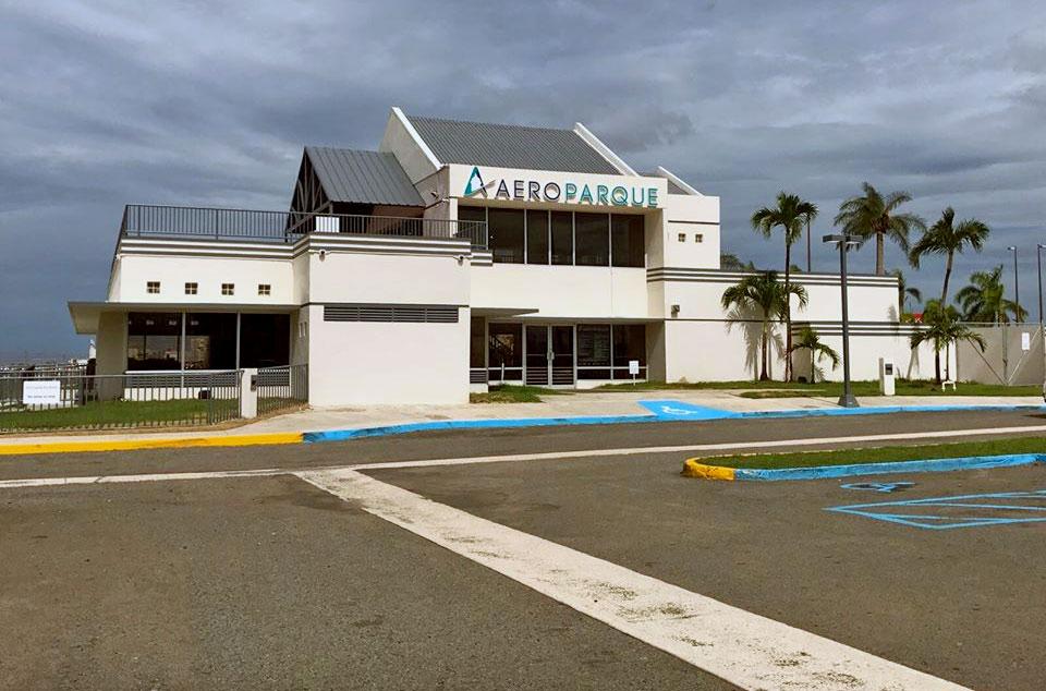 Aeroparque en el Aeropuerto Internacional Luis Muñoz Marín en Carolina, Puerto Rico. Foto del 2017.