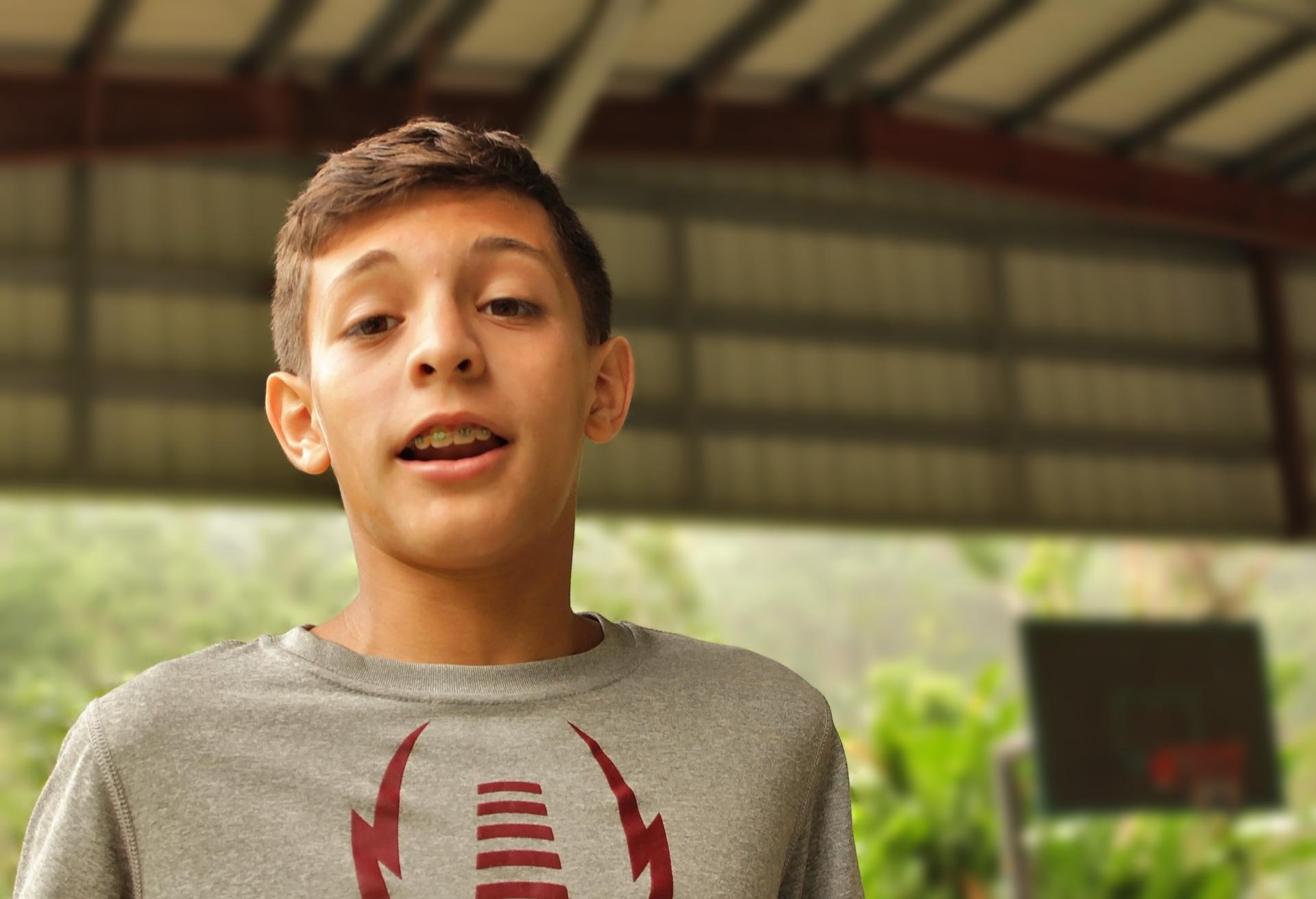 Julio Andrés, de Plaza Escorial, Carolina, Puerto Rico habla sobre su experiencia ayudando familias tras el paso del Huracán María.