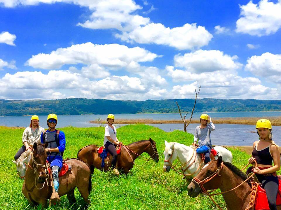 travel to costa rica and ride on horseback