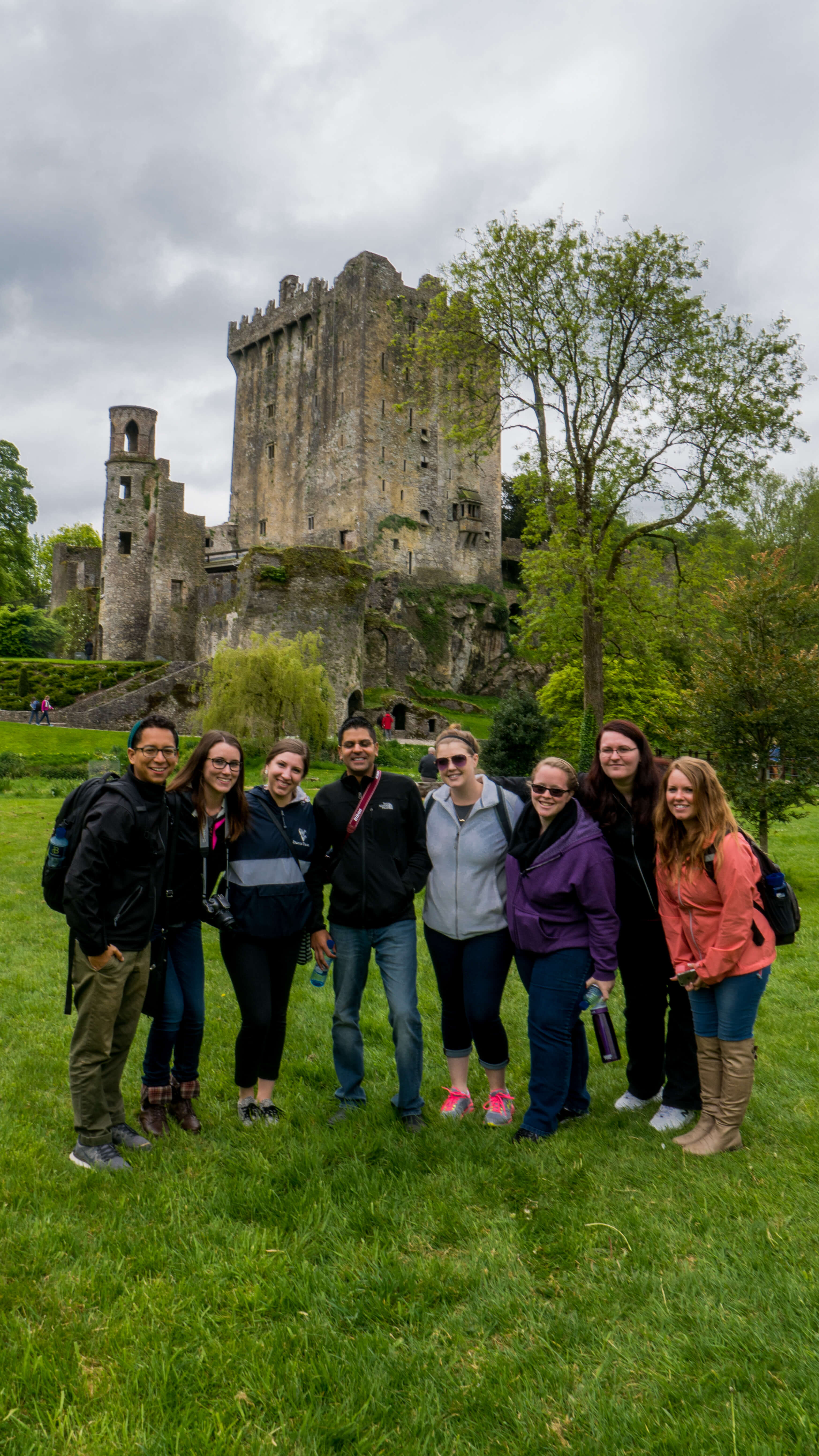 group-travel-ireland-under30experiences-castle