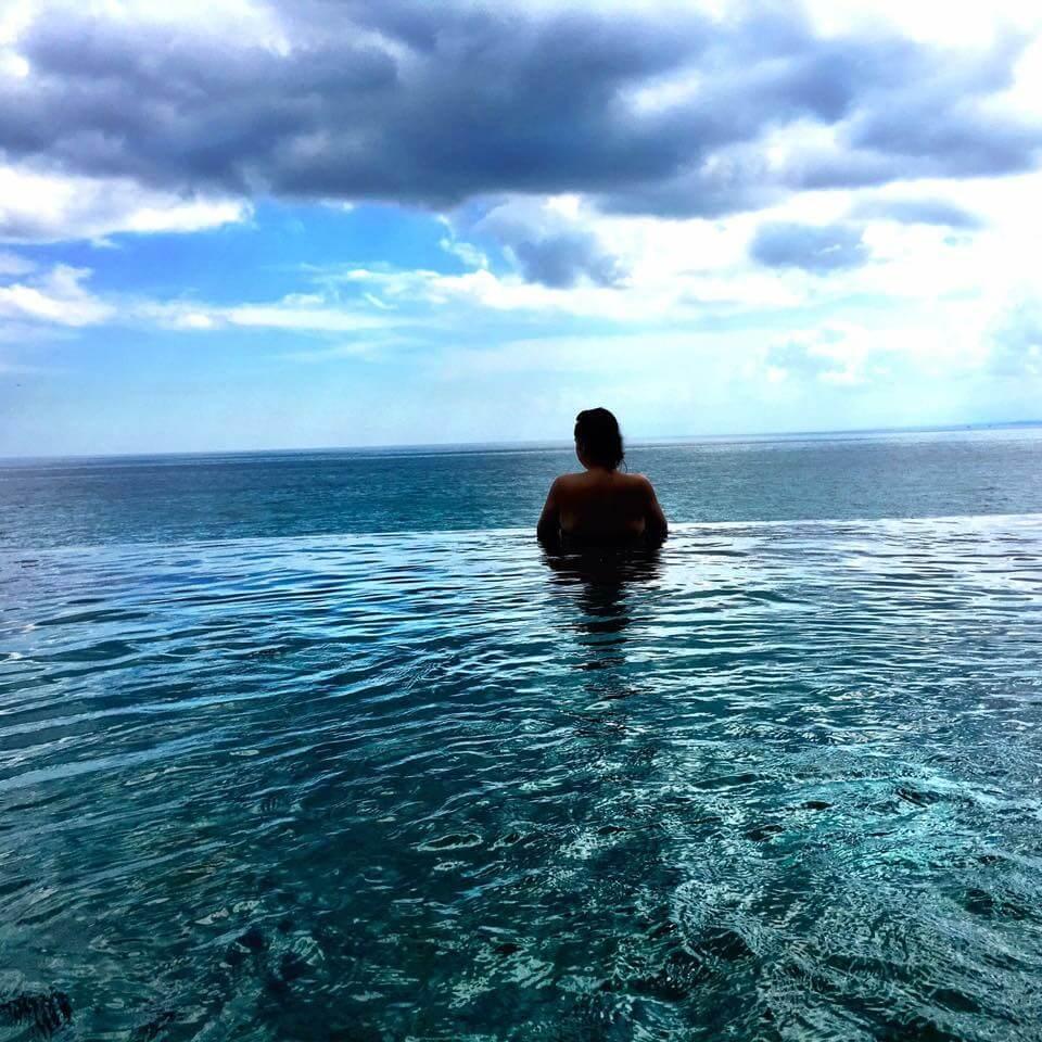 blog-12-things-you-should-give-up-to-be-a-mindful-traveler-bali-jimbaran.JPG