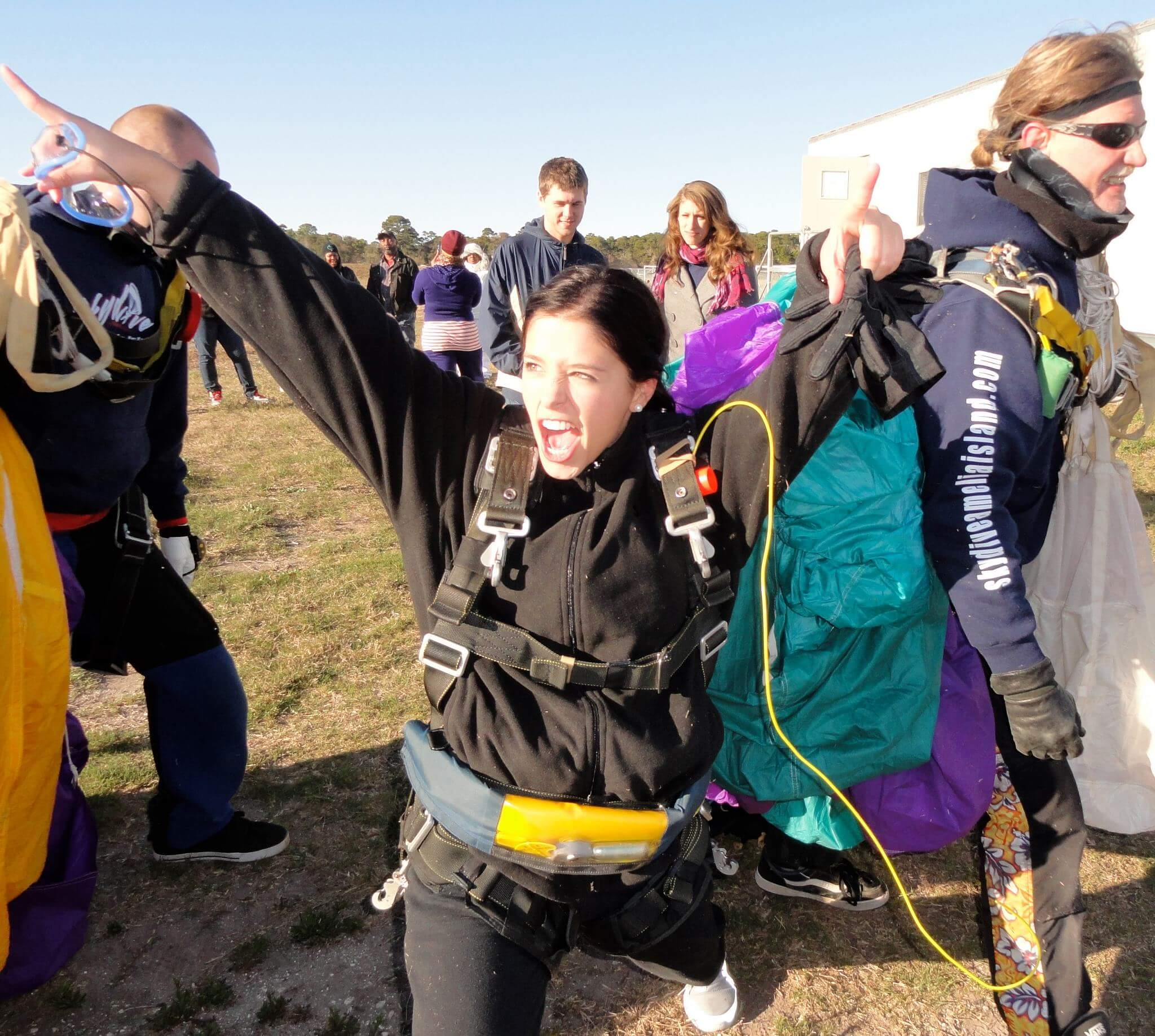 blog-top-5-adventures-before-25-skydiving-just-landed
