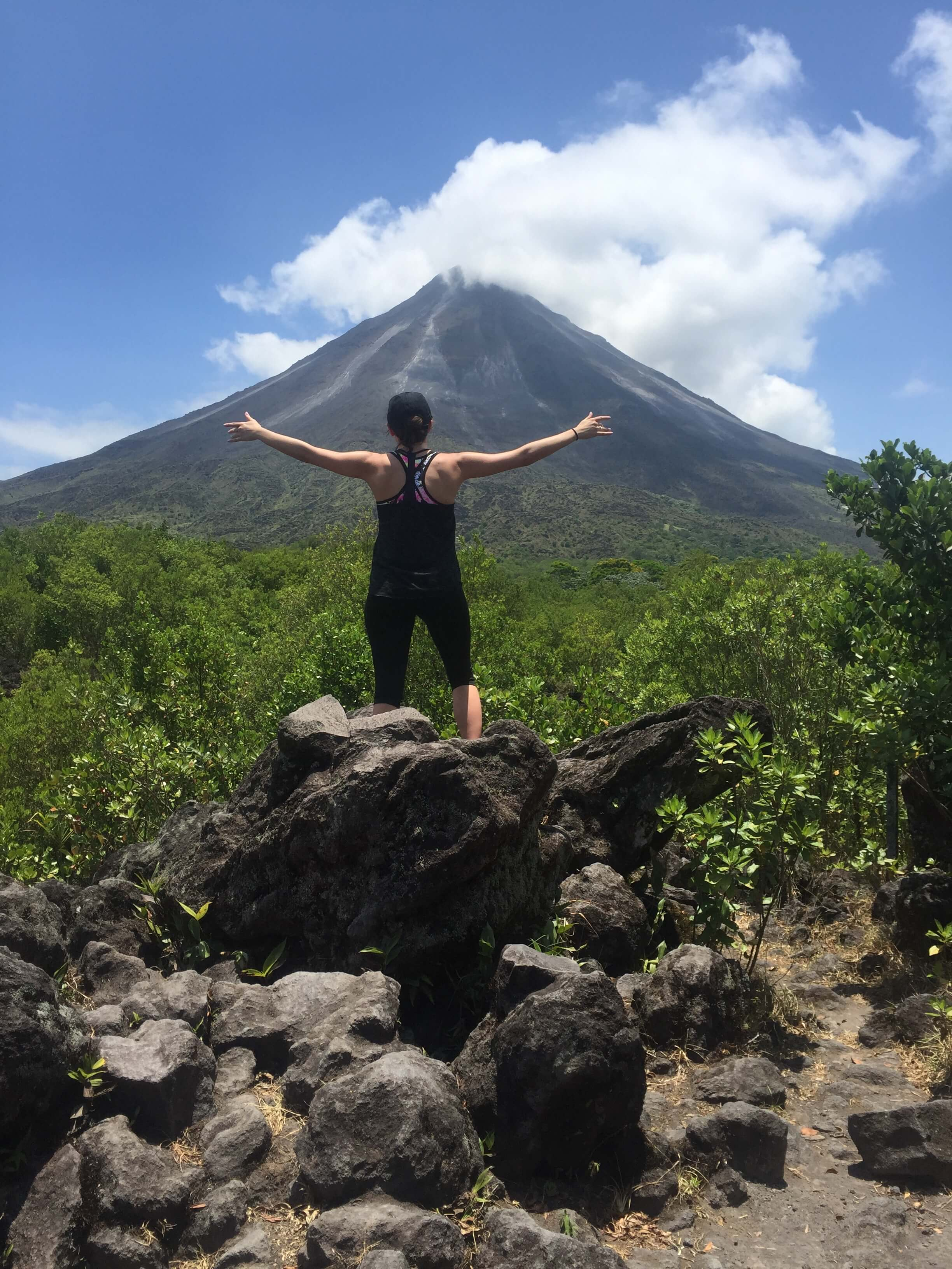 under30experiences-travel-arenal-volcano