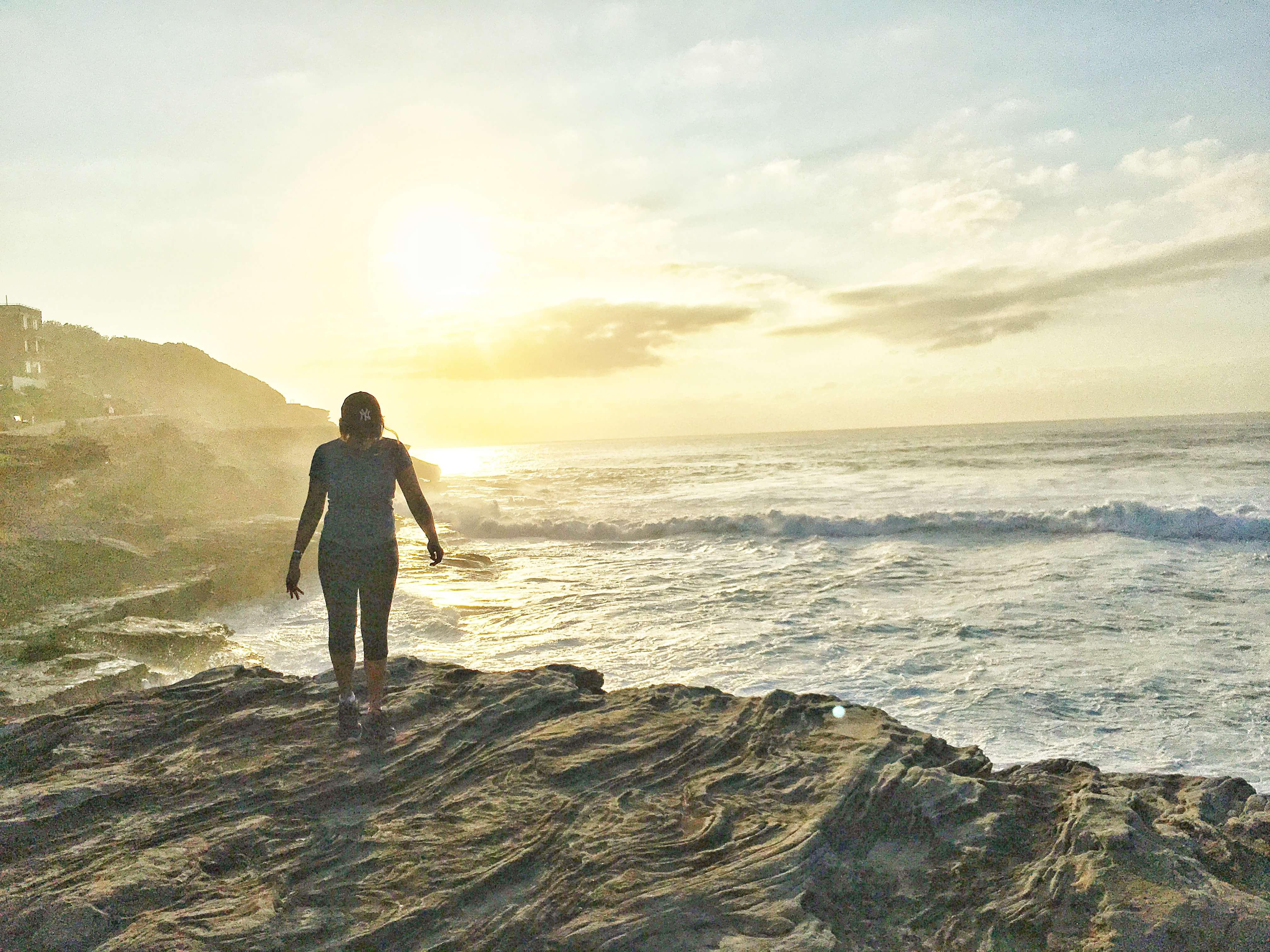 under30experiences-blog-why-you-should-travel-bondi-sydney-australia-beauty-sunrise