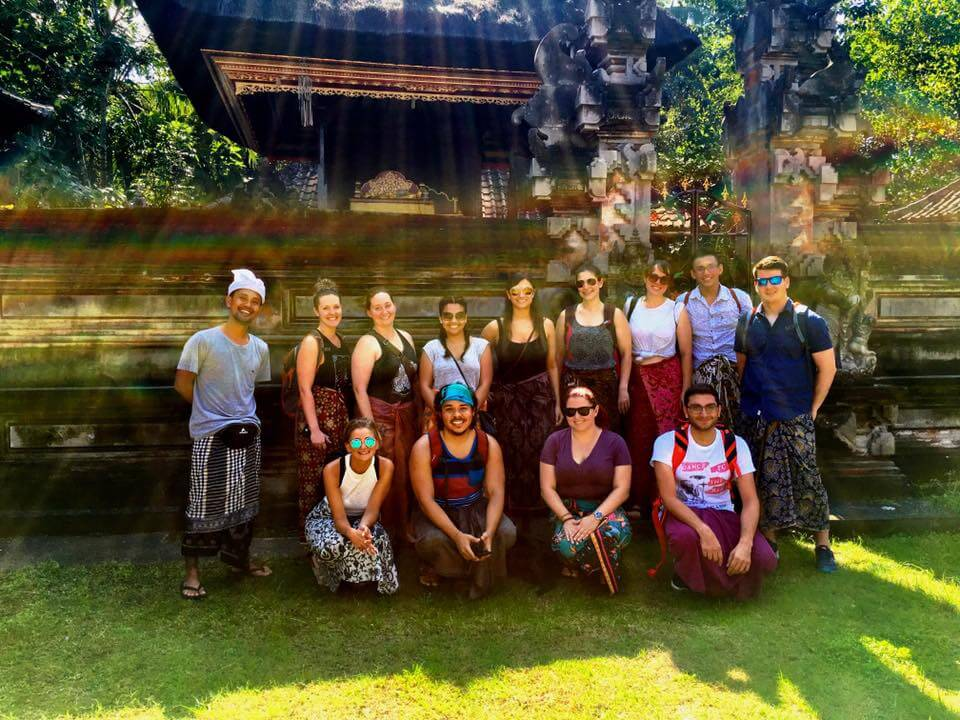 blog-The-5-Things-I-Learned-by-Spending-My-Summer-in-Bali-new-friends