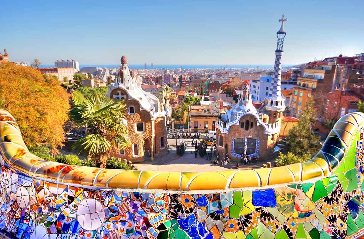 under30experiences-blog-great-tips-visiting-barcelona-antoni-gaudi-park