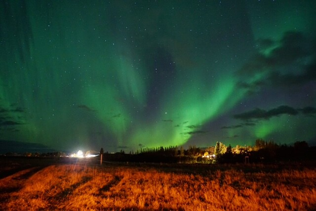 blog-Why-I-Loved-Traveling-Slowly-through-Iceland-this-Fall-northern-lights