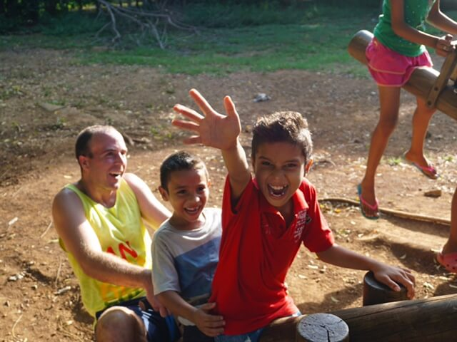blog-Why-You-Should-be-Booking-a-Trip-to-Nicaragua-Right-Now-school-kids