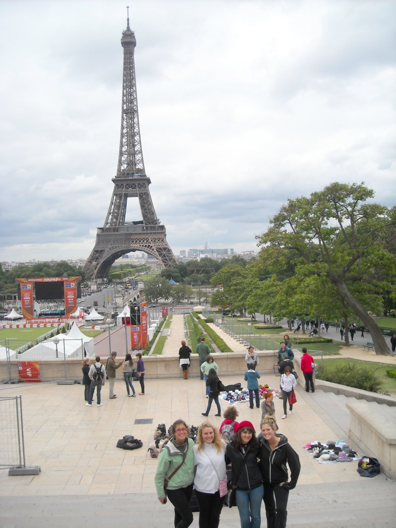 blog-Please-Stop-Asking-Me-How-I-Afford-Travel-paris.jpg