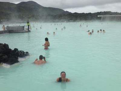blog-learn-how-to-Spend-a-Month-in-Europe-for-Under-$1000.-iceland.jpg