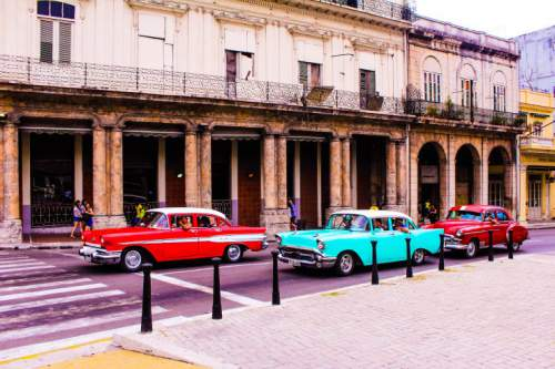 blog-Everything-You-Need-to-Know-to-Visit-Havana-Cuba-classic-cars .jpg