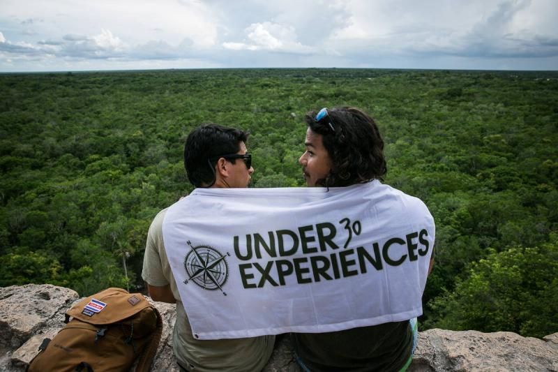 blog-Call-for-Applicants-Career-with-Under30Experiences-top-of-the-world.jpg