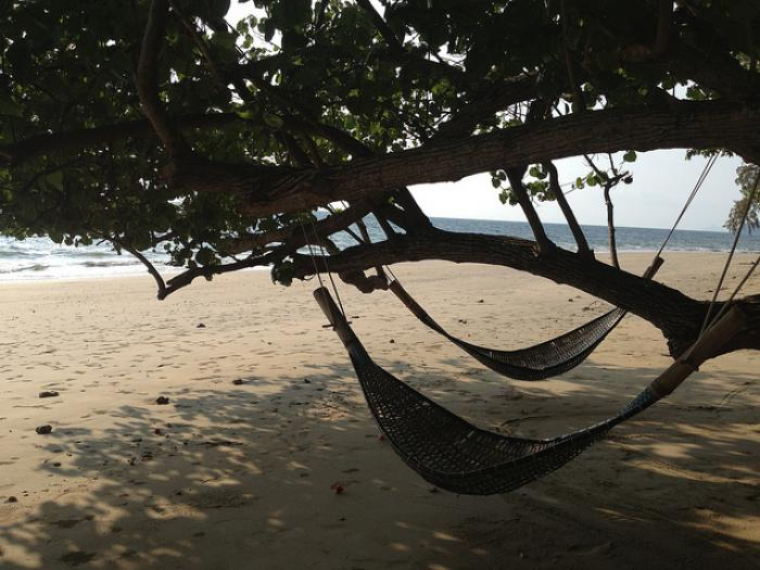 blog-Seven-Untouched-Islands-in-Thailand-You-Just-Have-to-See-hammock .jpg