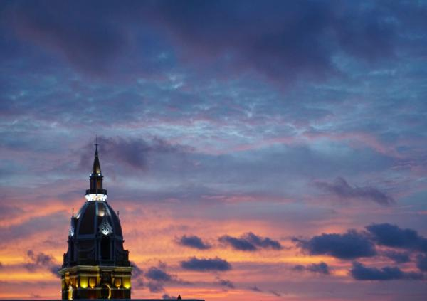 blog-Why-Cartagena-Should-Be-at-the-Top-of-Your-Travel-Bucket-List-sunset.jpg