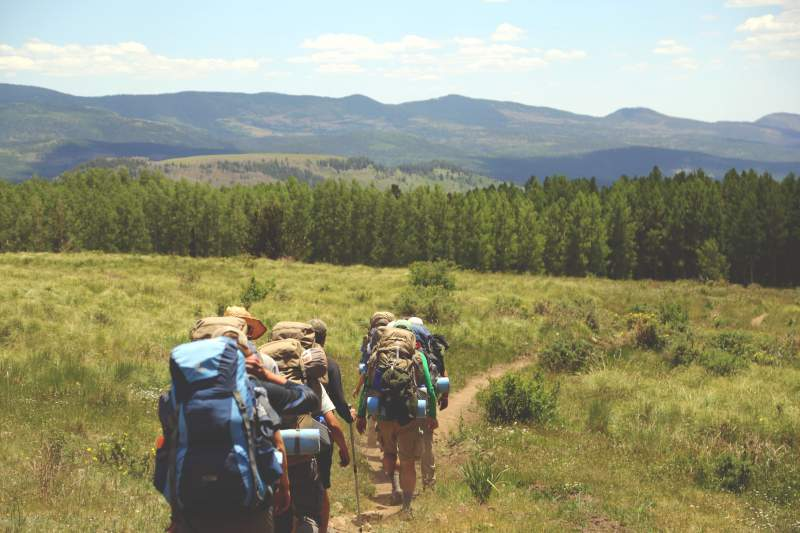 under30experiences-blog-why-millennial-travelers-are-seeking-more-authentic-experiences-stay-active-hiking