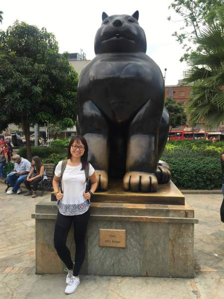 under30experiences-blog-15-dos-and-don'ts-while-traveling-in-medellin-real-city-walking-tour