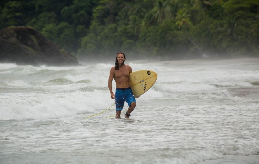 under30experiences-group-travel-blog-for-millennials-go-with-the-flow-surf