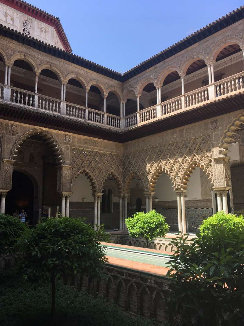 under30experiences-group-travel-blog-for-millennials-alcazar-de-sevilla