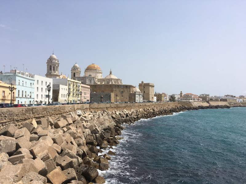 under30experiences-group-travel-blog-for-millennials-cadiz