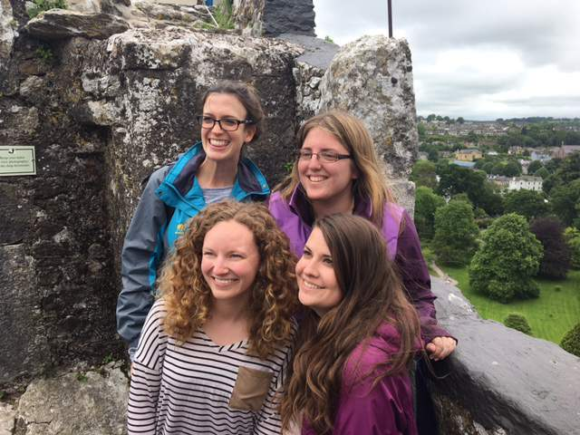 under30experiences-group-travel-blog-for-millennials-small-group-travel-how-to-make-the-most-of-it-blarney-castle