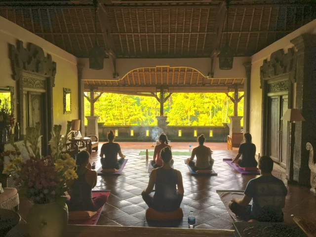 under30experiences-group-travel-blog-for-millennials-yoga-in-bali-the-enchanted-island-of-the-gods-retreat