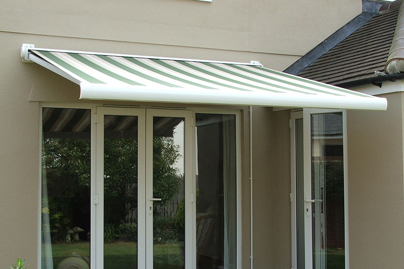 Monza Fully Enclosed End Fix Cassette Awning