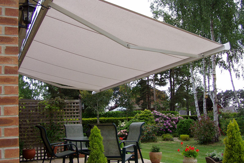 B-28 Compact Fully Enclosed Cassette Awning