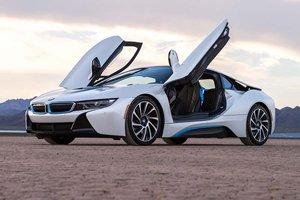 2016 BMW i8 (White)