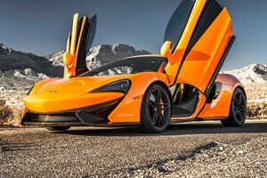 2017 McLaren 570S (Orange)