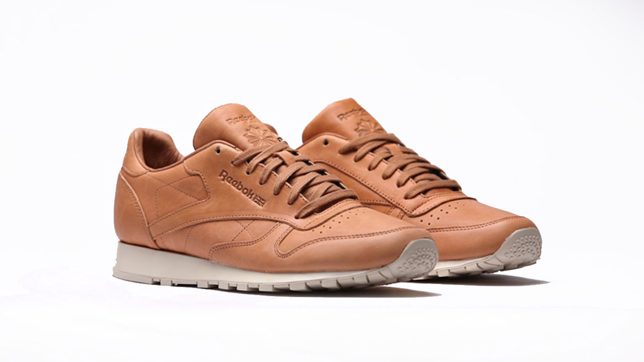 low priced f4c36 1bc80 ... Another timeless Reebok Classic Leather collaboration is with Horween  Leather Company. The bespoke brand, 4711 CL LEATHER RIPPLE LOW BP ...