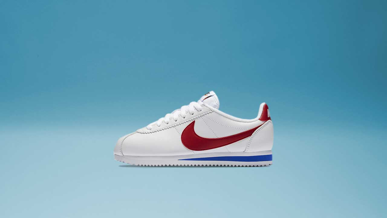 0bb2855a4a86 ... Men s and Women s Nike Classic Cortez SE (White Varsity Red) ...