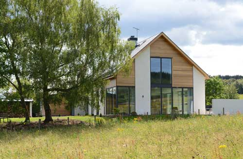 New build low carbon family home features in Homes & Interiors magazine:  read more>