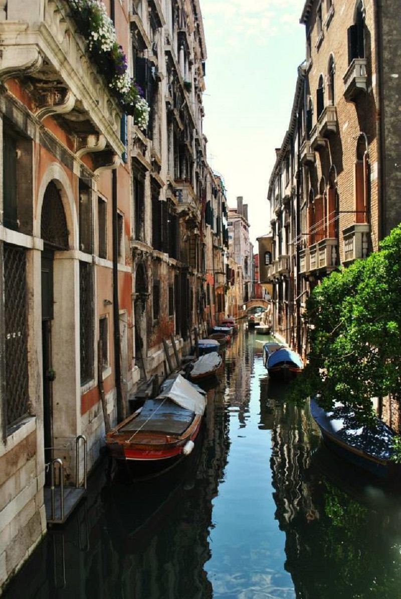 Venice allleyways