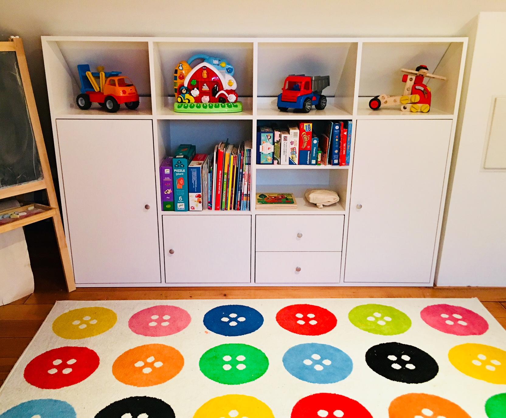 meuble sous pente ou sous escalier sur mesure dessinetonmeuble. Black Bedroom Furniture Sets. Home Design Ideas
