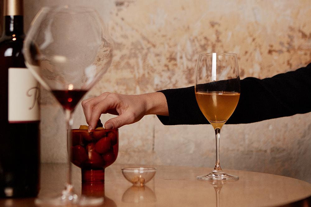 A Drink at 7pm: Nathalie Jean's Klinec