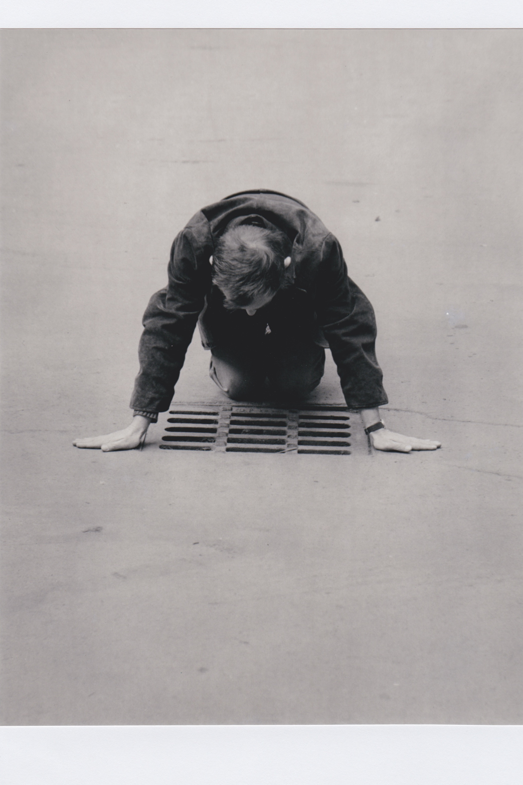 Karel Miler, Grating, 1974. Courtesy of SVIT Prague and Tenderpixel.