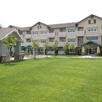 E Building & Cottages Lawn