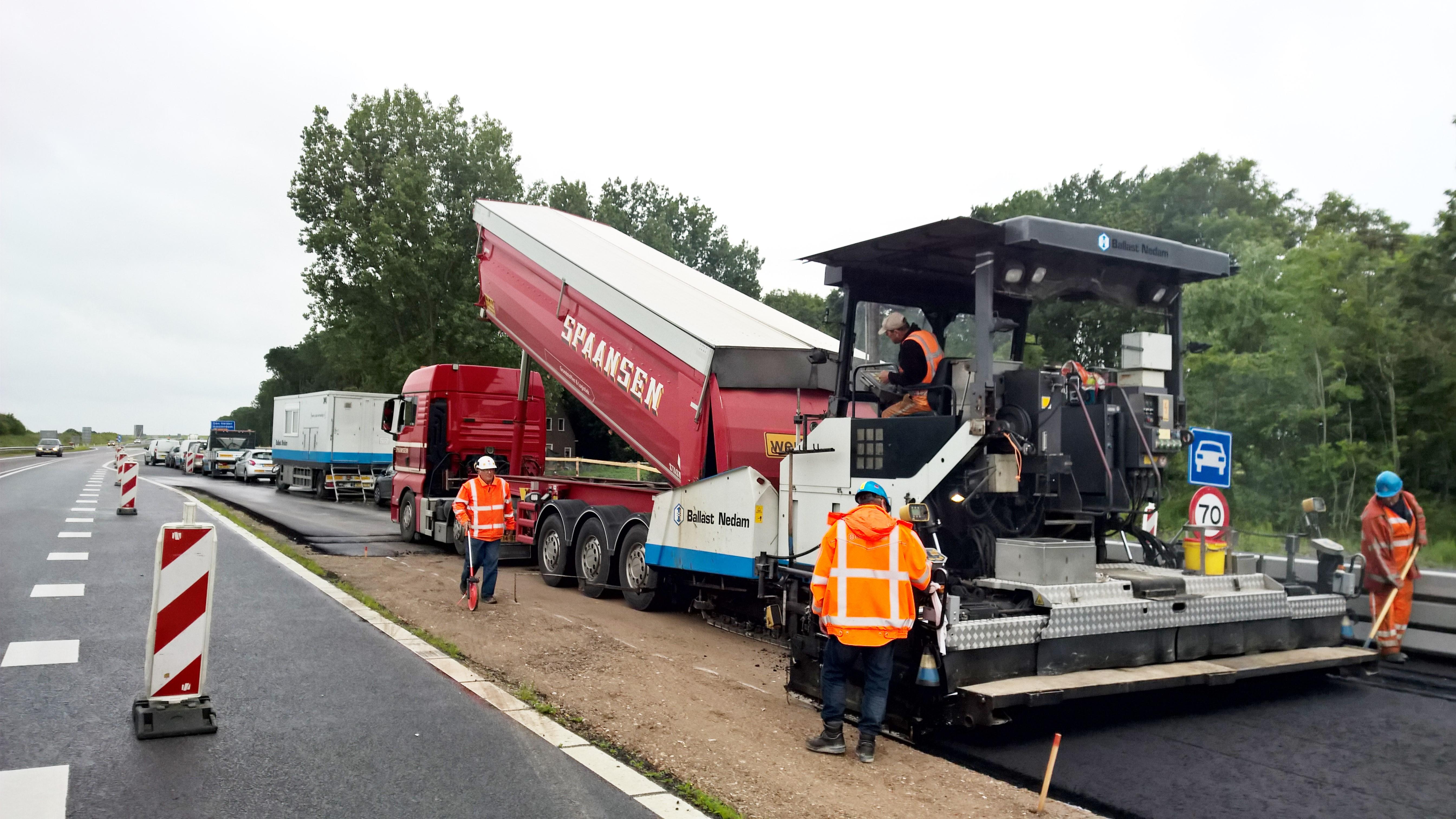 Artikel in magazine Grond-weg-waterbouw - Spaansen Grondstoffen en Logistiek - Vermindering CO2 uitstoot door efficiency in transport