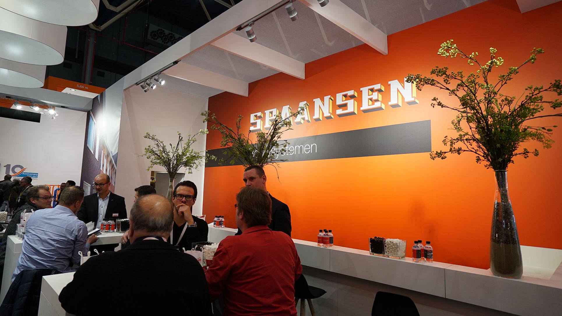 De stand van Spaansen Bouwsystemen trok veel bekijks en publiek tijdens de Bouwbeurs 2017.