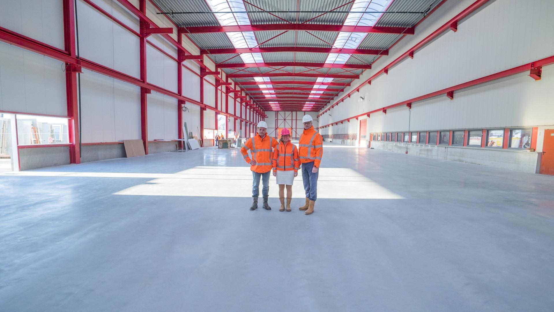 Nieuwe productiehal Spaansen Bouwsystemen in Harlingen voor de productie van betonelementen