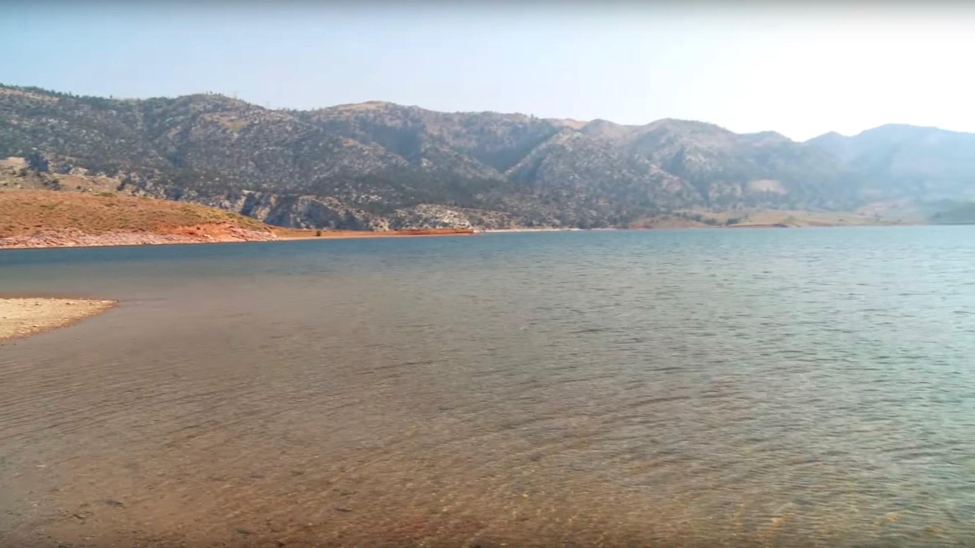 20,000 acres of water on the Seminoe Reservoir